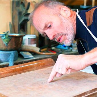 Illustration de cours en ligne - Restaurer meuble en bois