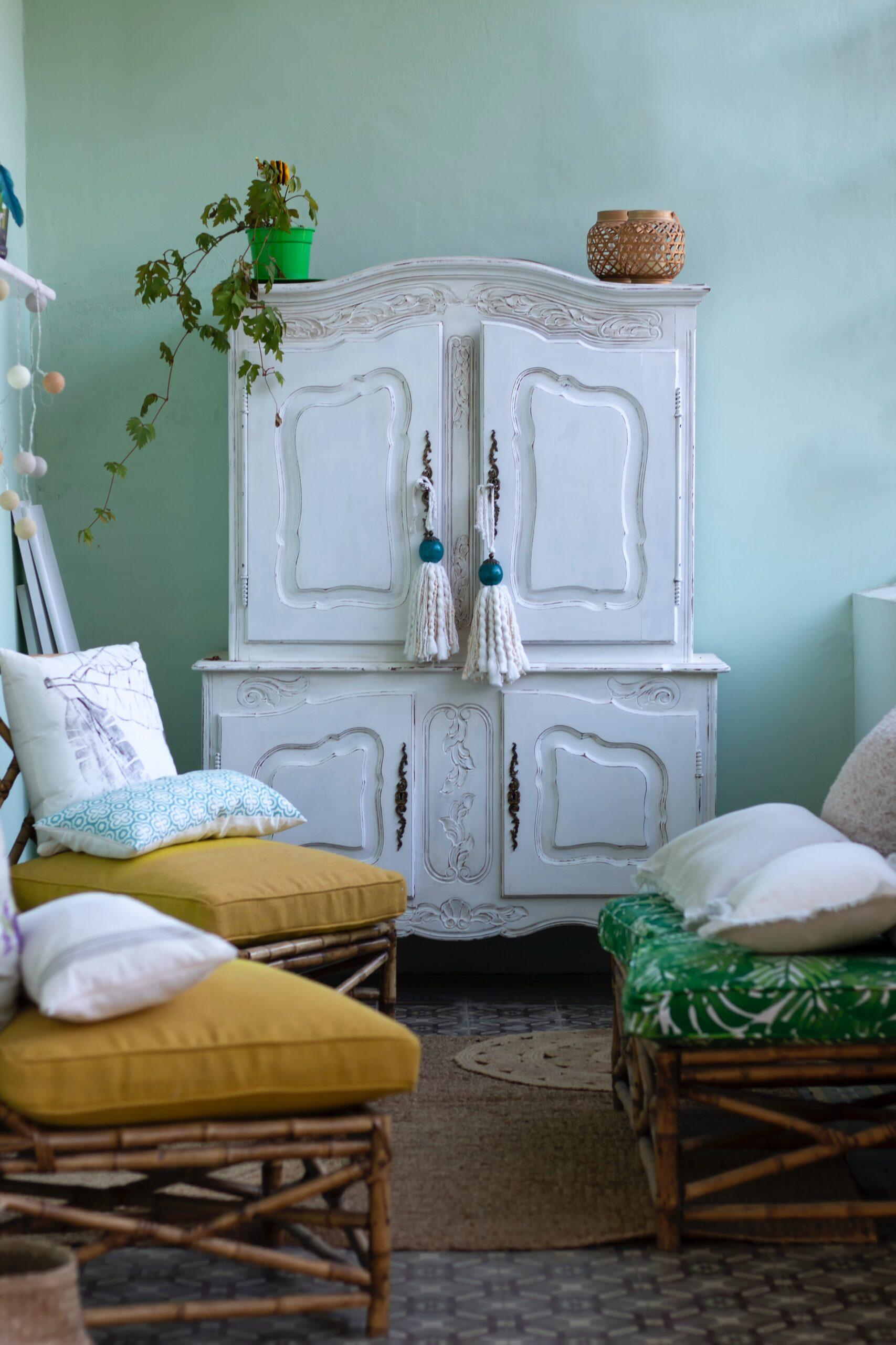 Exemple d'un meuble après rénovation : un buffet deux-corps